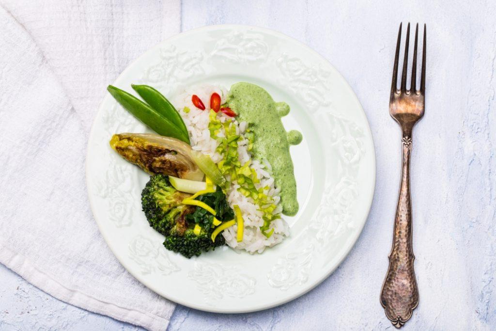 Wegańskie curry z zielonych warzyw z ryżem białym marki Britta (2)